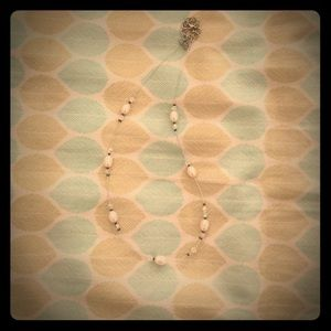 Jewelry - Delicate Pearl and Jewel Necklace
